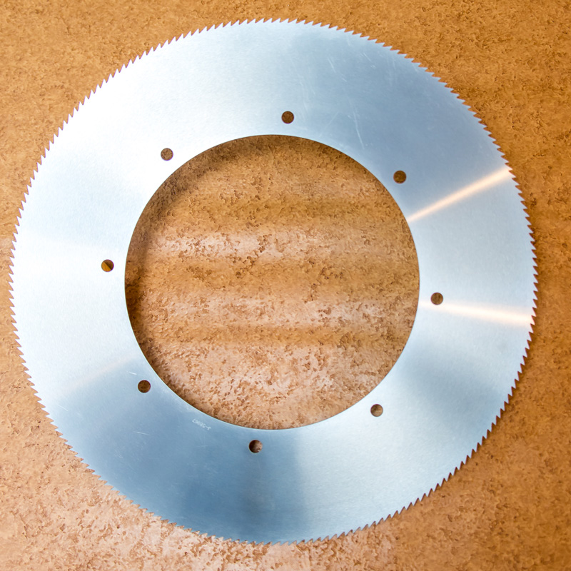 "18"" 200-tooth Auto Blade Image"